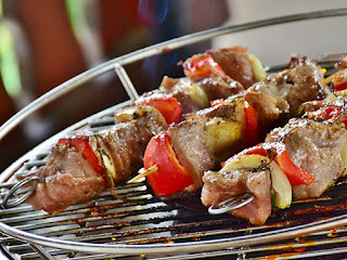 Brochetas en barbacoa