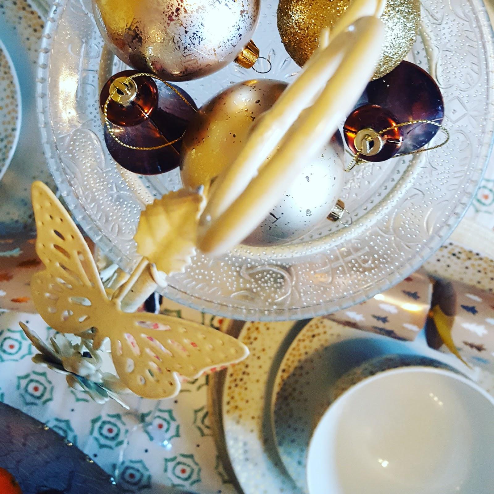 Christmas kitchen, Yummy Food And Christmas Cheer