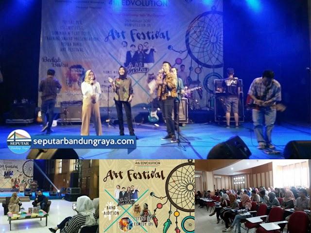 """Acara Puncak Event """"4th Edvolution"""" di Kampus UPI Bandung"""