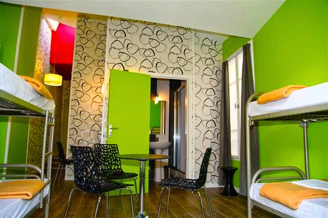 melhores hostels em paris fran a dicas da europa. Black Bedroom Furniture Sets. Home Design Ideas