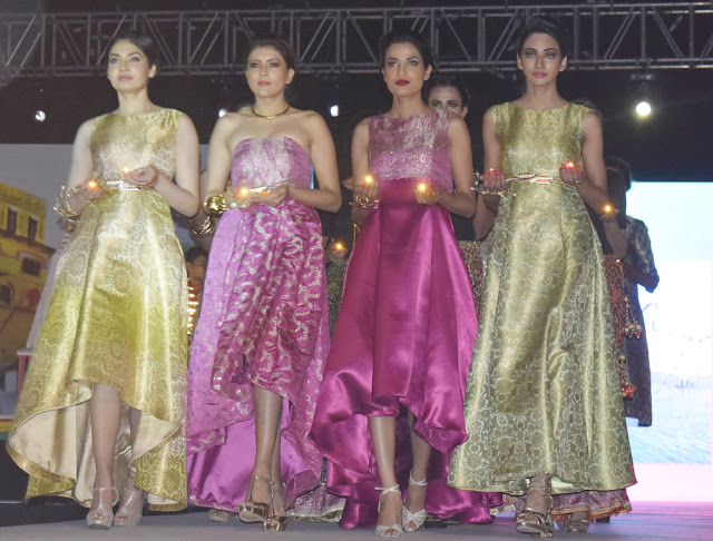 Surajkund Fair Fashion Show on the ramp rides on the various models of stereo models