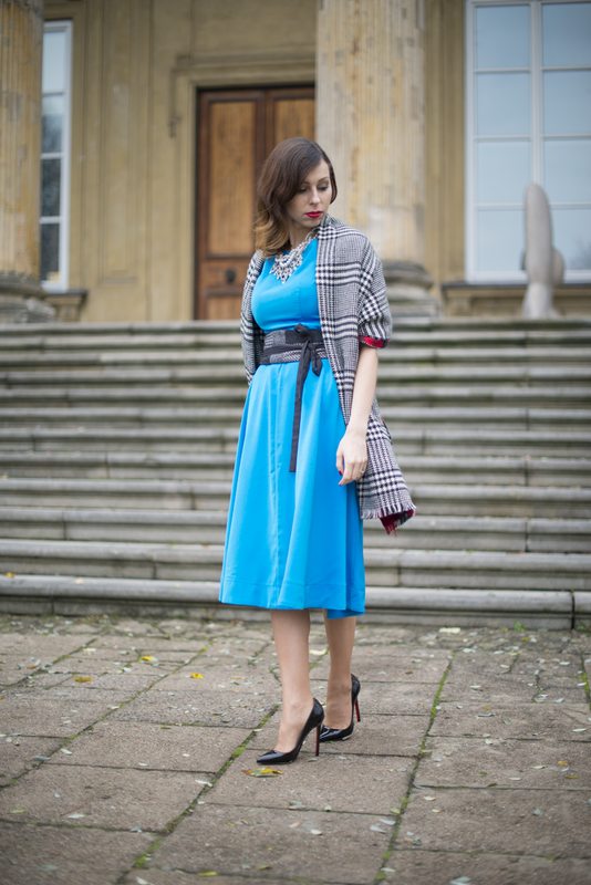 fashion blog midi blue dress