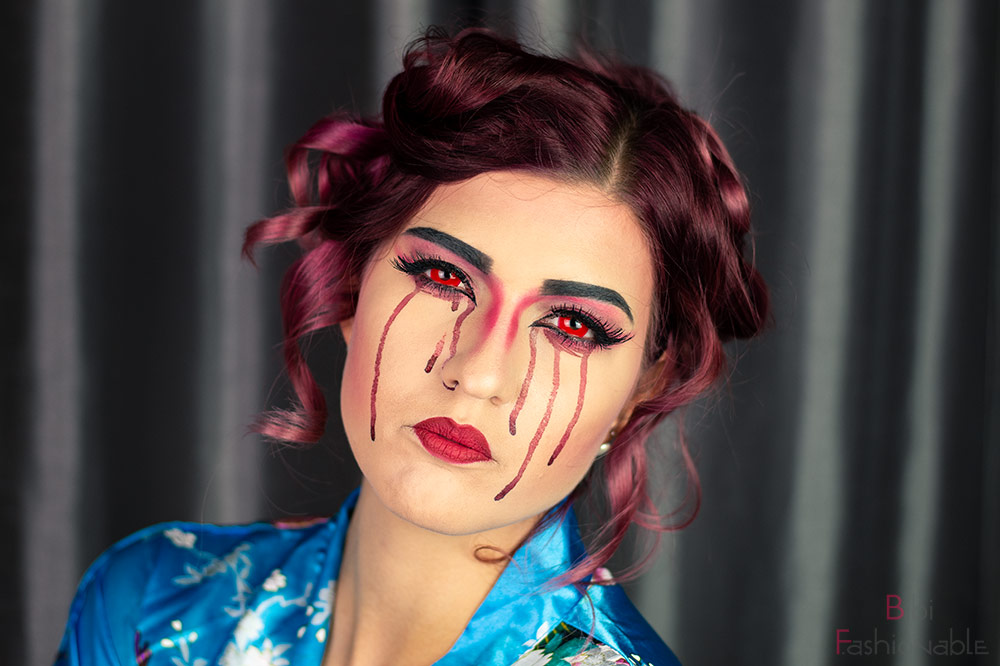 bloody Geisha Kopf geneigt