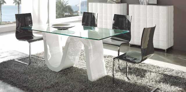 Mesas de comedor for Decorar una mesa de comedor de cristal