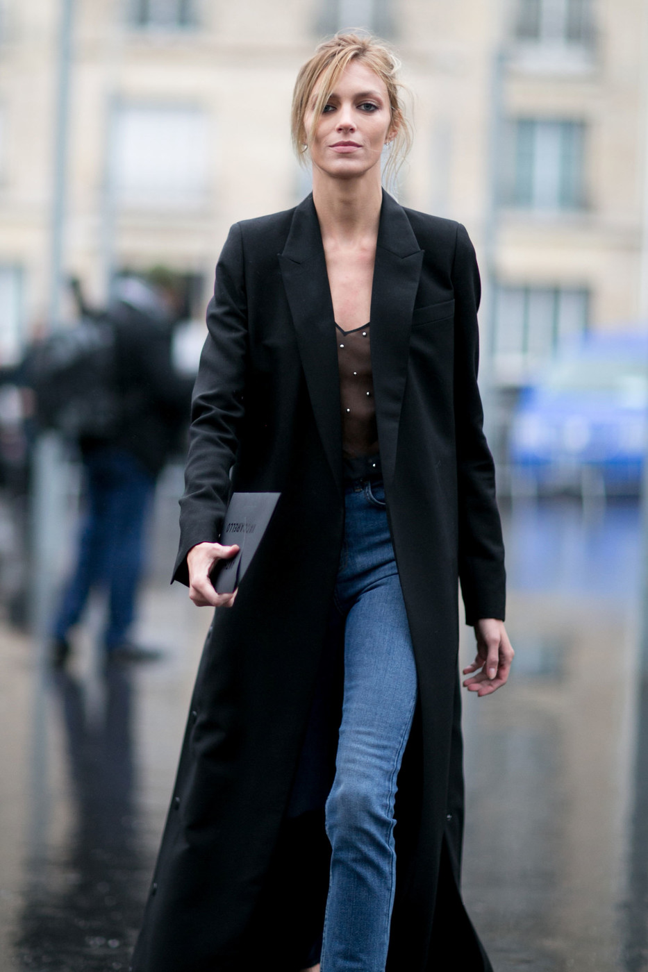 Anja Rubik's Chic Style at Paris Fashion Week Autumn/Winter 2016