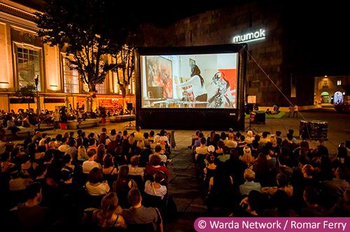 vienne cinéma plein air frame out museumsquartier