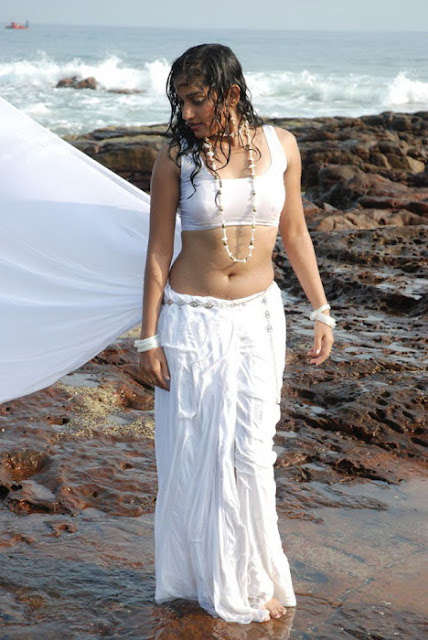 Madhavi Latha Navel Show Photos in White Saree