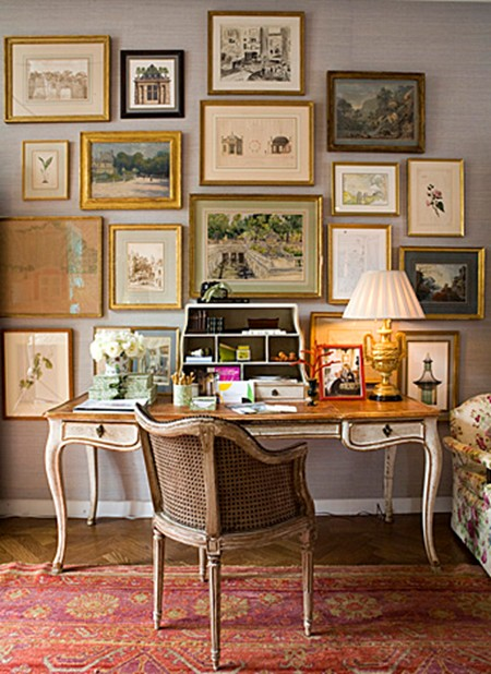 TRES CHIC: THE GREAT WALL OF ART