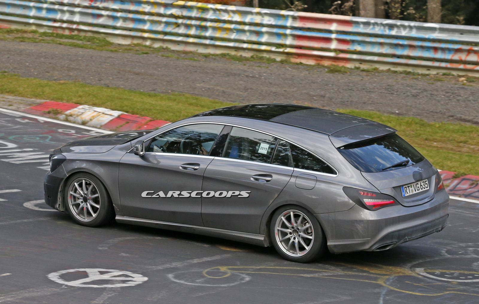 mercedes 39 revised cla shooting brake testing at the n rburgring carscoops. Black Bedroom Furniture Sets. Home Design Ideas