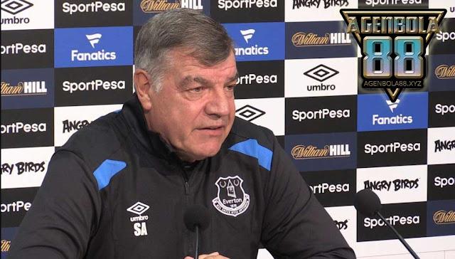 Bos Everton: Everton Harus Ganti Penampilan Kandang Mereka