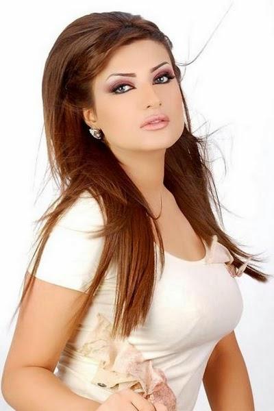 الفنانة الكويتية أمل العوضي
