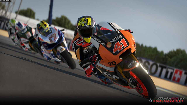 MotoGP 14 Gameplay Screenshot 2