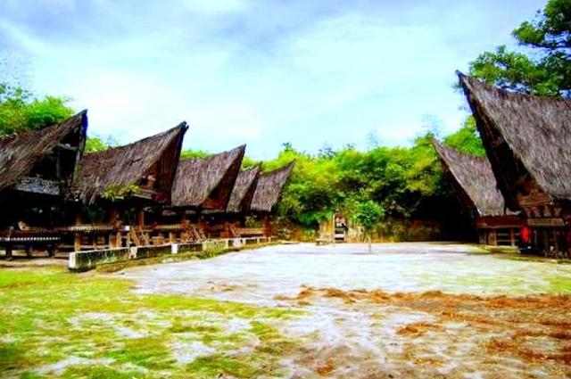 Rumah Tradisional Simanindo