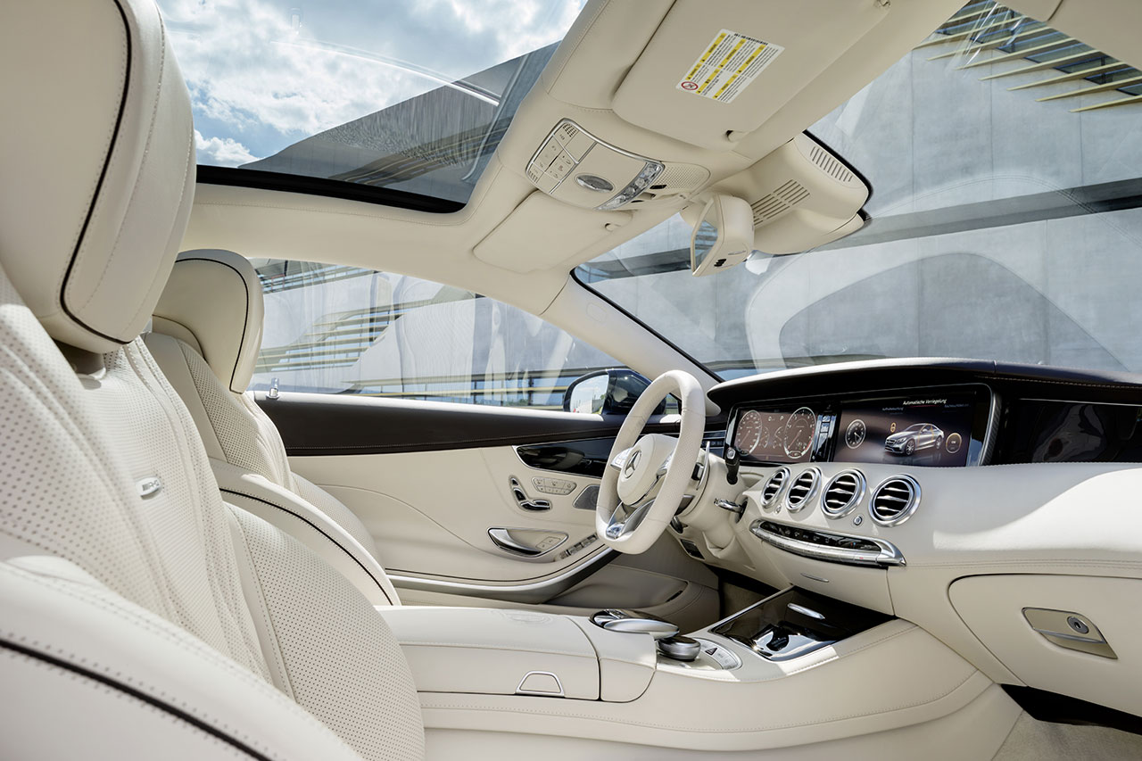 Mercedes-Benz S 65 AMG Coupé interior