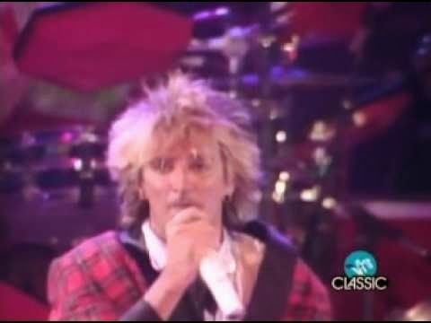 videos-musicales-de-los-80-rod-stewart-all-right-now