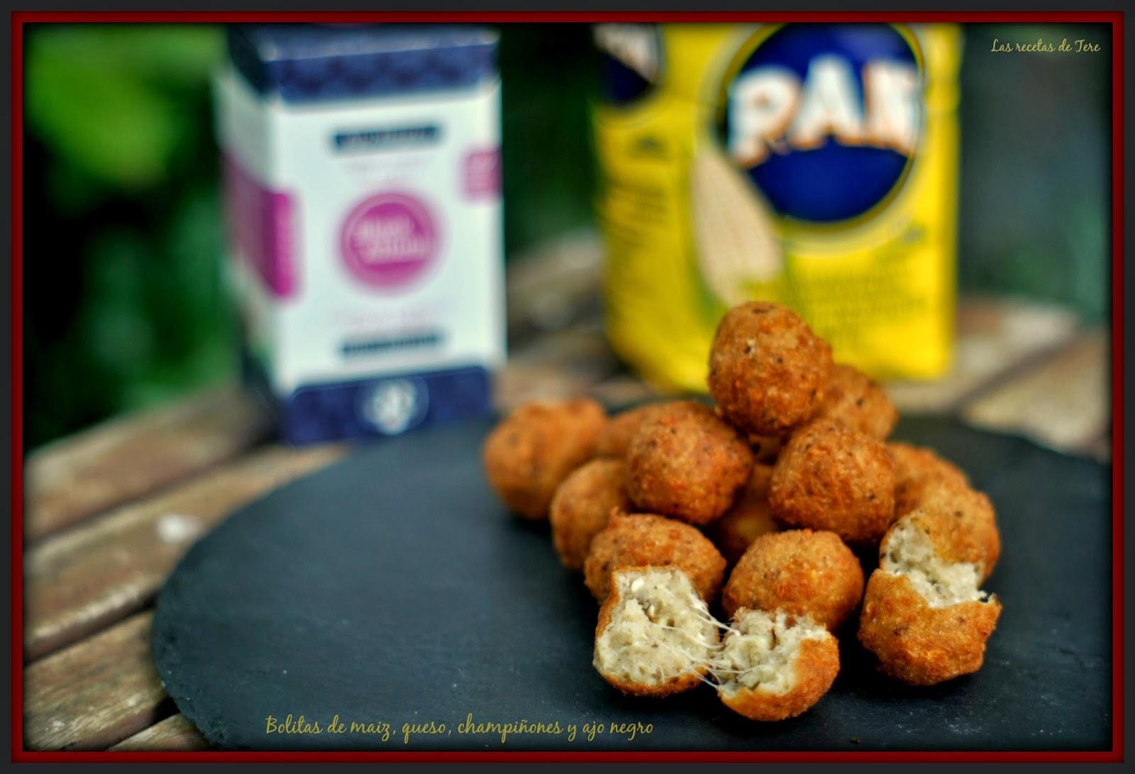 Bolitas de maiz queso champiñones y ajo negro 01