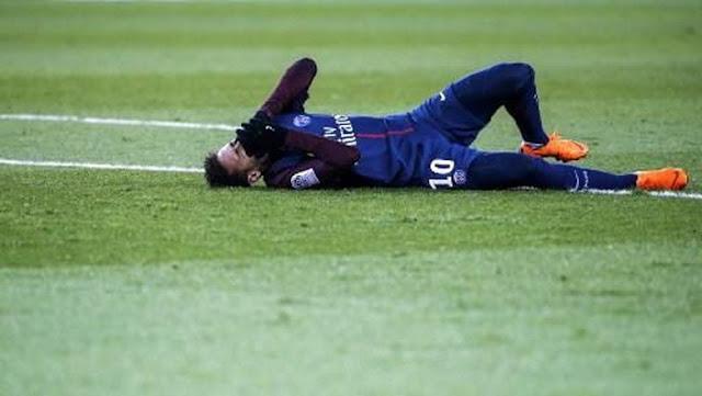Tulang Metatarsal Neymar Retak