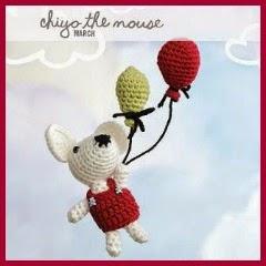 Ratón volador con globos amigurumi