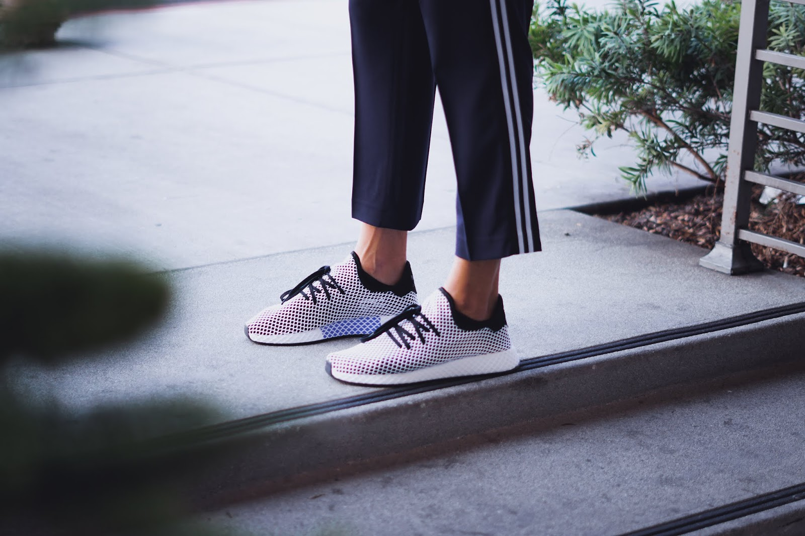 mens fashion mens wear on the go sneaker for men best on the go shoe Adidas deerupt