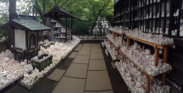tokyo cat shrine