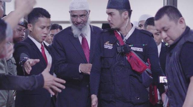 Lepas Label Artis, Mario Irwinsyah Dampingi Ulama Zakir Naik