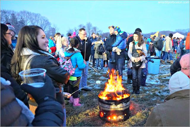 S'mores en la Old Newbury Bonfire 2018