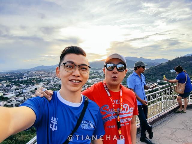 Selfie photo captured using Samsung Galaxy A7 (2018) Ultra Wide Angle camera