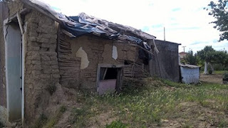 Σε μια τρώγλη χωρίς ρεύμα μένει μια οικογένεια σε περιοχή του Δήμου Ανδραβίδας – Κυλλήνης