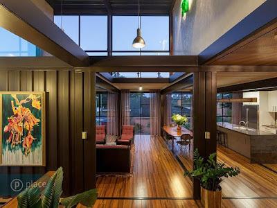 ออกแบบเพดานสูงในบ้านตู้คอนเทนเนอร์