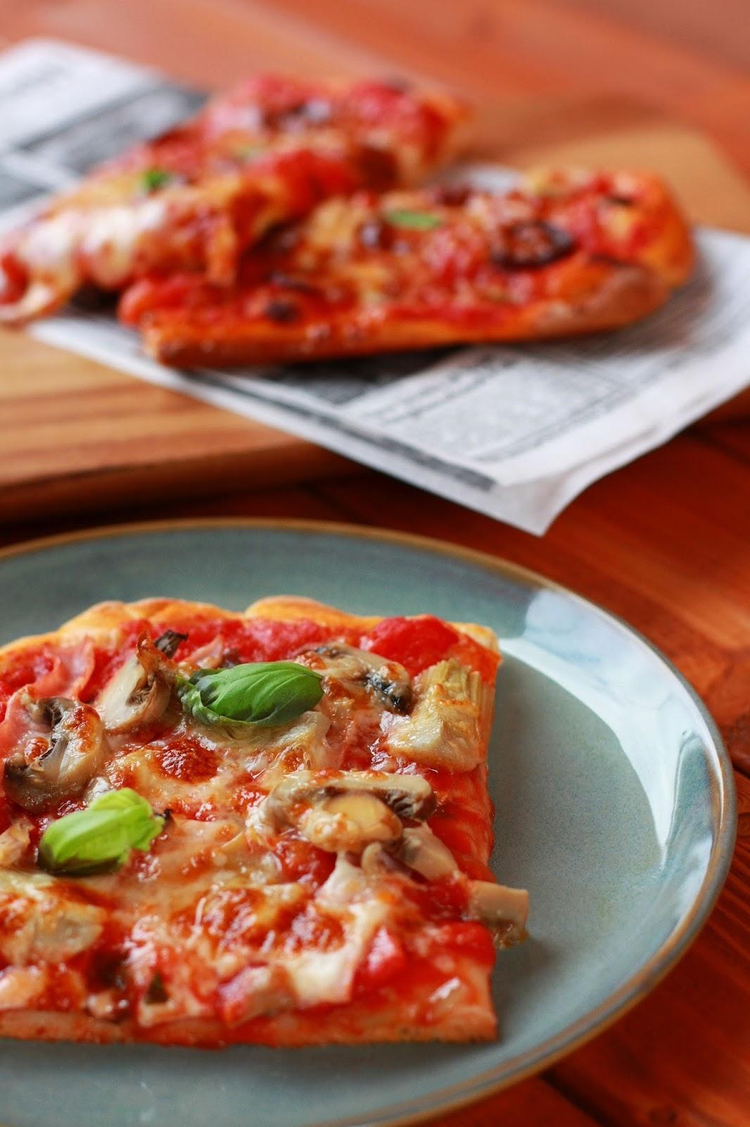 pizza diavola pizze pizzekirja italia leivonta mallaspulla