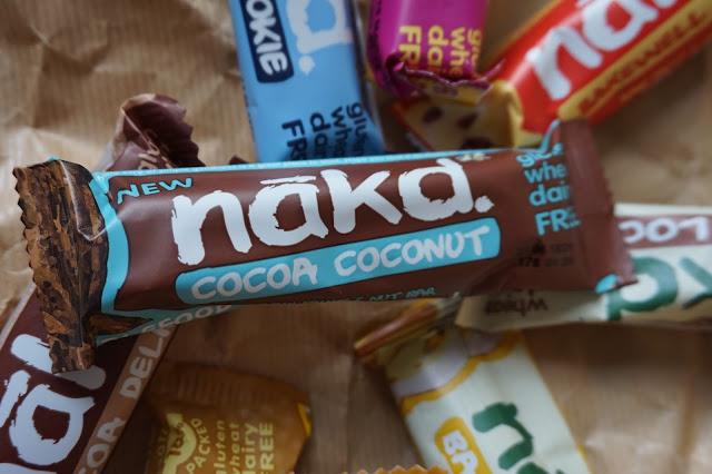 Nakd_barres_healthy_vegan_revue_avis_food_goût_peanut_delight_banane_crunch_banana_bread_cocoa_loco_barewell_tart_rhubarb_custard_cashew-cookie_cocoa_coconut_cocoa_delight_nakd_barre01
