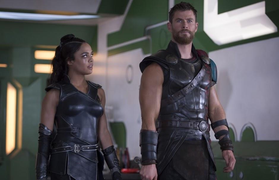 """Tessa Thompson se reúne à Chris Hemsworth para novo """"Homens de Preto"""""""