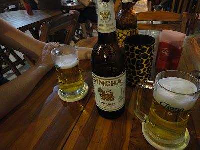 Thaïlande, phitchanulok, sukothaï, bierre singha, 4t guesthouse, taxi, bus, gare, piscine, temple, wat