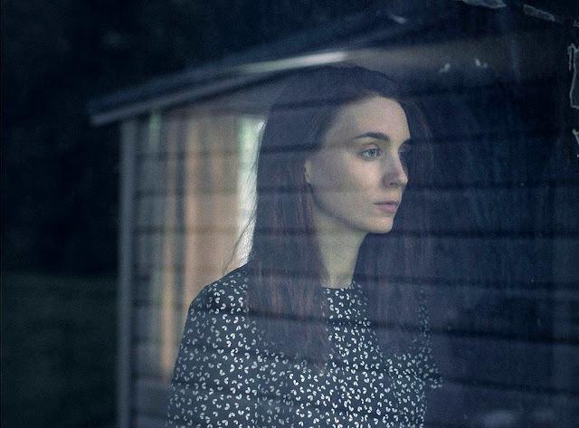 M. (Rooney Mara) dans A Ghost Story