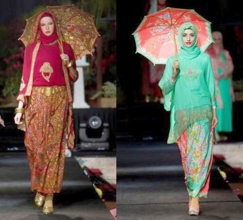 Model Baju Batik Semi Formal: Model Baju Batik Pesta Wanita Muslim Modern