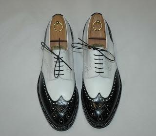 Risultati immagini per scarpe a coda di rondine anni venti