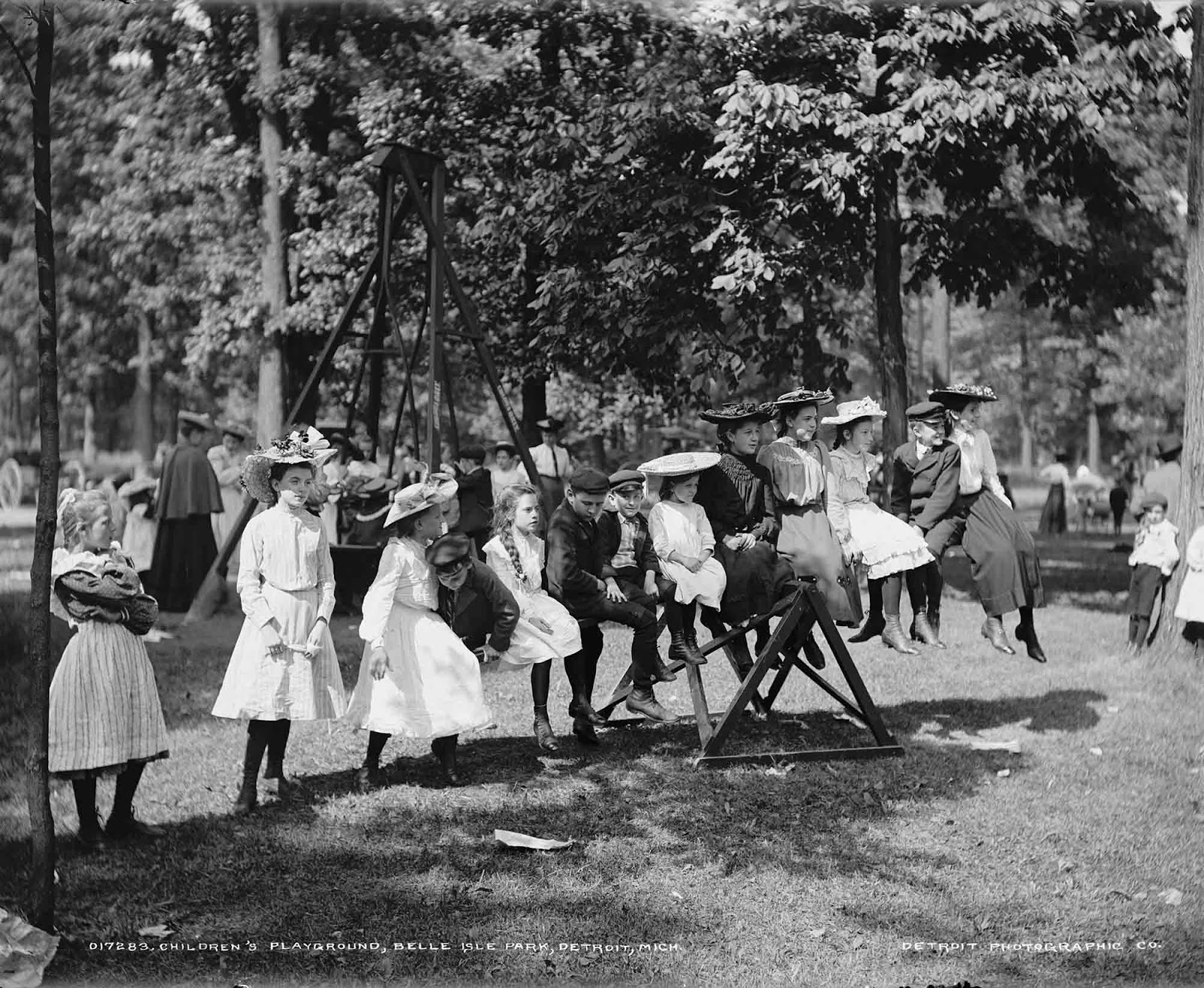 Children's playground, Belle Isle Park, Detroit, Mich. 1900-1905.