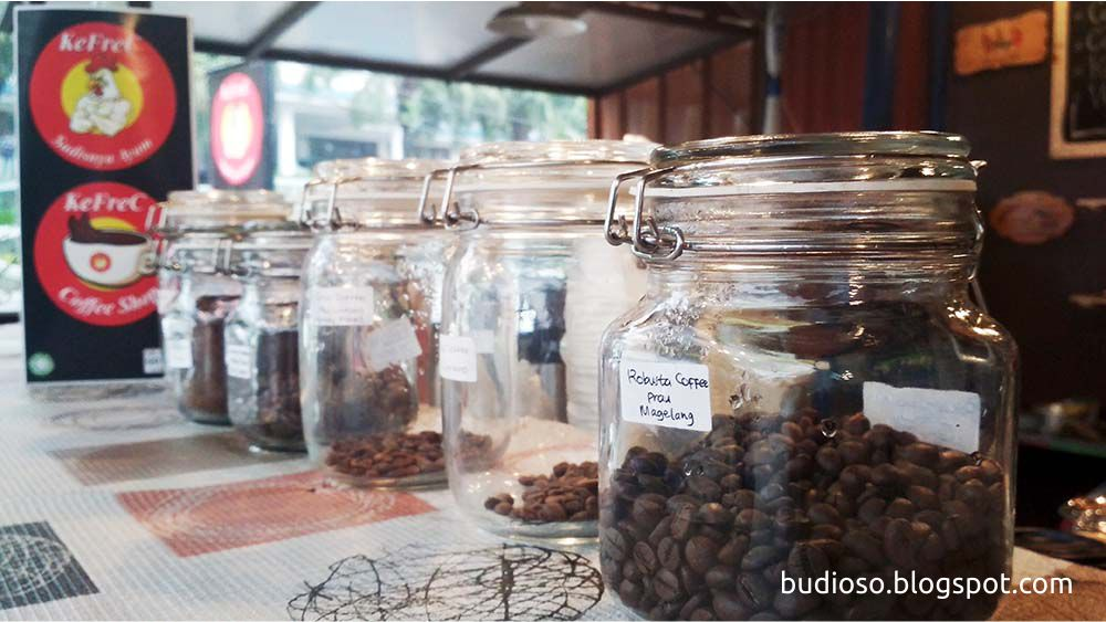 Tempat ngopi enak di Depok - Cafe di Depok KeFrec Coffee Shop -  Ayam KeFrec