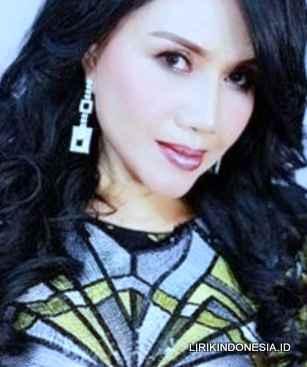 Lirik Si Kecil dari Rita Sugiarto