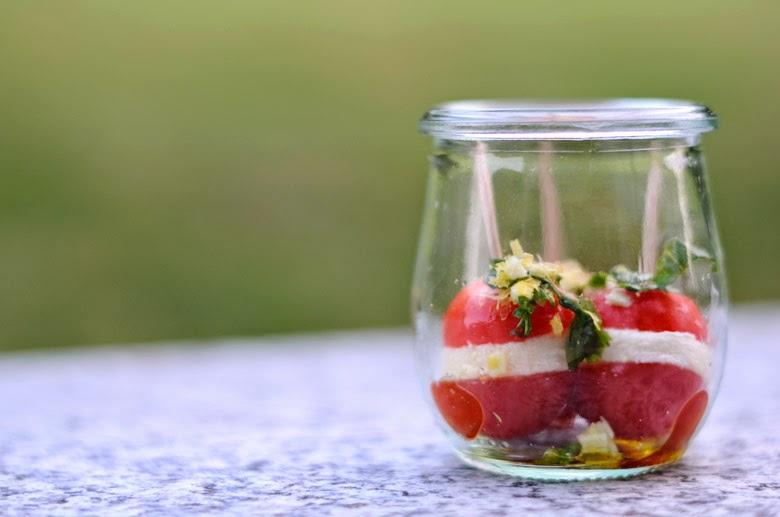 blogschokolade butterpost tomate mozzarella h ppchen mit basilikum gremolata. Black Bedroom Furniture Sets. Home Design Ideas