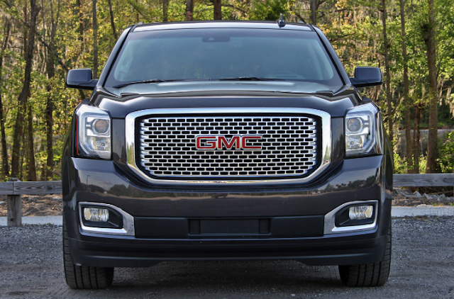 2017 GMC Yukon XL Denali 4WD 8-Speed Automatic Review