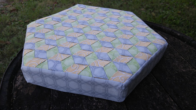 Fabric weaving hexagon pillow