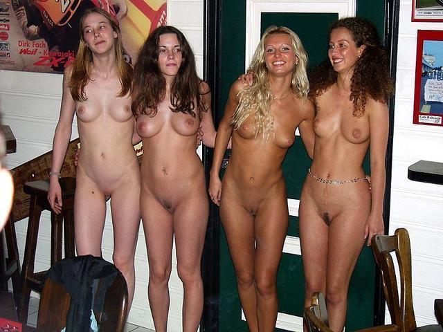 Naked band ohne blusen