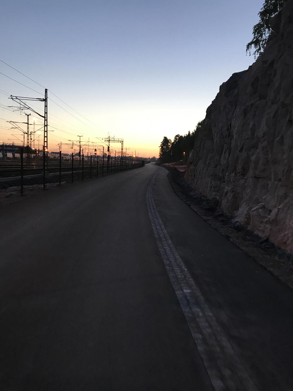 Kaupunkipyörällä auringonlaskusta auringonnousuun 26