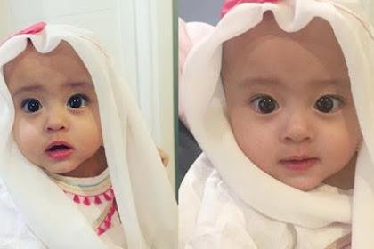 Bikin Netizen Gemes Maksimal! Lihat Putri Kecil Pasangan Artis Ini Memakai Hijab