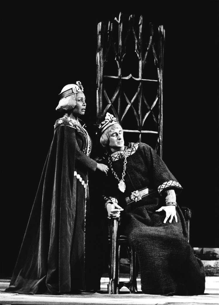 ARTS IN ACTION: mezzo-soprano SHIRLEY VERRETT as Lady Macbeth (left) and baritone RYAN EDWARDS as Macbeth (right) in Boston Opera Company's 1976 production of Giuseppe Verdi's MACBETH [Photograph © by Boston Opera Company]