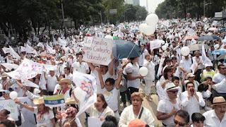 Protesta in Messico contro le nozze gay