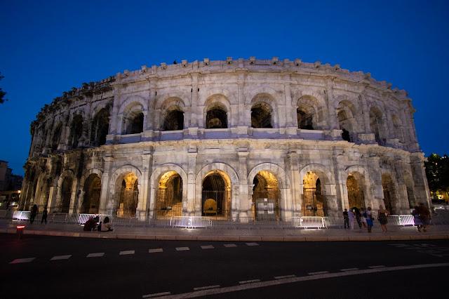 Arena di Nimes di notte