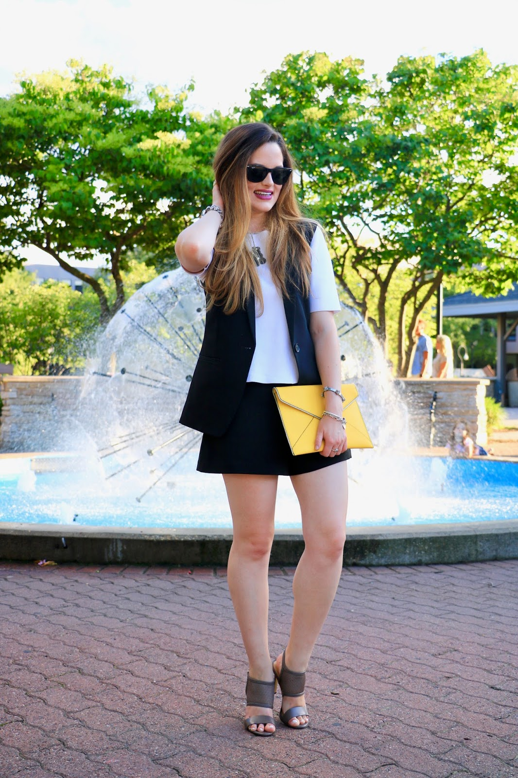 NYC fashion blogger Kathleen Harper of Kat's Fashion Fix showing how to wear shorts