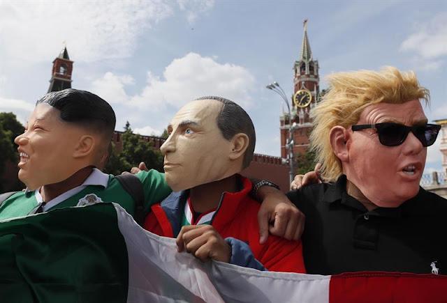 Torcedores se fantasiaram dos presidentes Kim (Coreia do Norte), Putin (Rússia) e Trump (Estados Unidos)